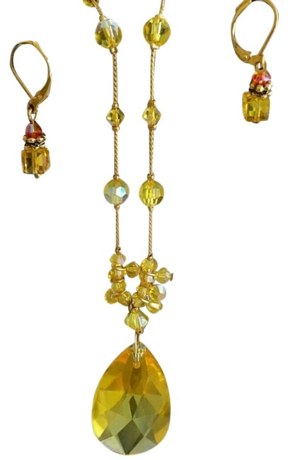 Item - Yellow Crystal Necklace and Earrings Set