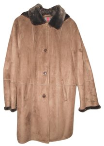 Gallery Woman Fur Coat