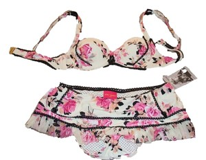 Betsey Johnson Bikini new never worn!