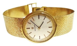 Omega Omega Vintage 14 Karat Yellow Gold Watch Mechanical Movement