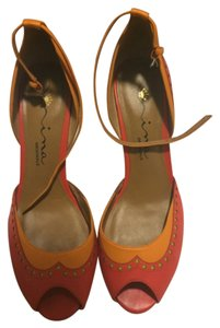 Nina Orange Pumps