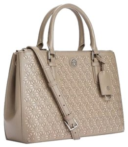 Tory Burch Tote in French Grey