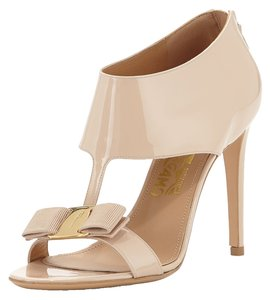 Salvatore Ferragamo Women's Nude Pumps