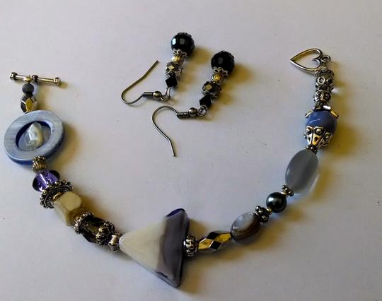 Night Scene NEW BRACELET & EARRINGS SET HANDMADE BY ROBYN WITH GLASS BEADS, SHELLS, PEARLS AND GEMSTONES. J62