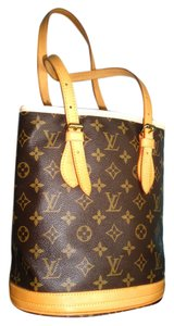 Louis Vuitton Canvas Tote in Monogram
