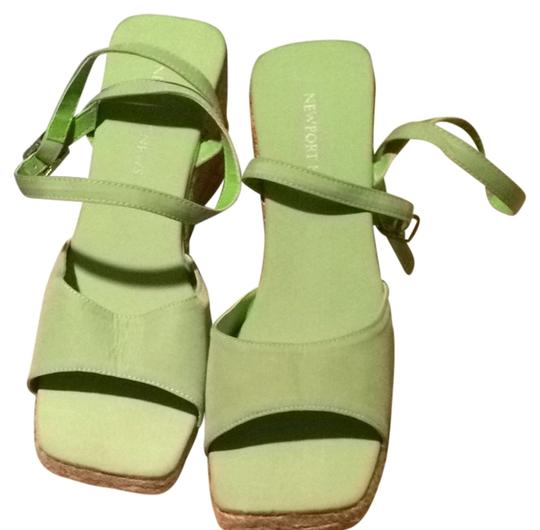 Newport News Lime Green Wedges