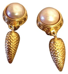 Fendi Fendi Vintage Gold Hanging Clip On Pearl Earrings
