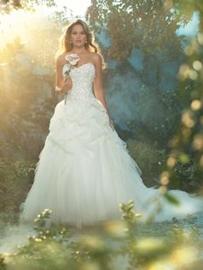 Alfred Angelo 227-sleeping Beauty Wedding Dress
