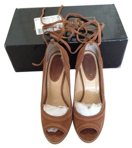 Colin Stuart Vs Victorias Secret Summer Suede Brown Wedges