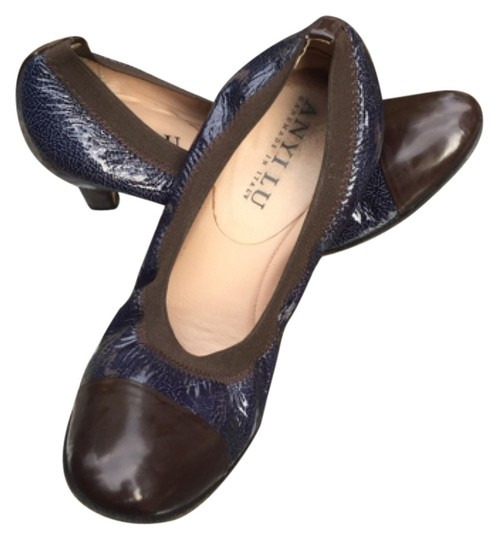 Anyi Lu Italian Secure Fit Padded Foot Pad Elastic Navy with Brown Pumps