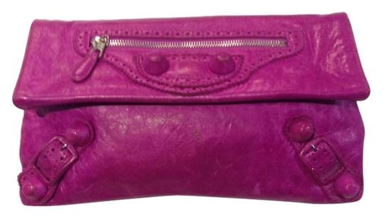 Preload https://item4.tradesy.com/images/balenciaga-arena-giant-envelope-magenta-leather-clutch-9026983-0-2.jpg?width=440&height=440