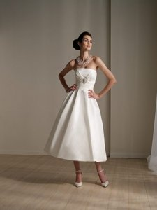 Mon Cheri Destinations 111176 Wedding Dress