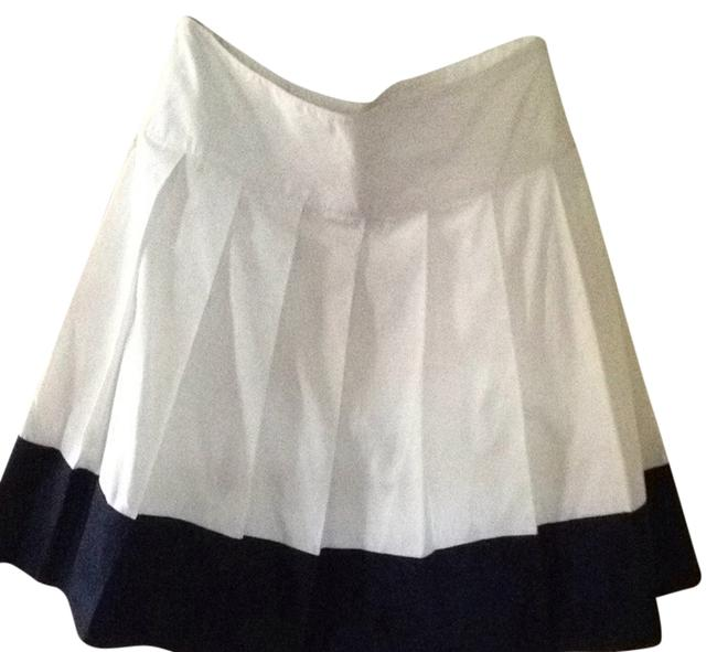 Preload https://item1.tradesy.com/images/banana-republic-skirt-white-with-blue-trim-902835-0-0.jpg?width=400&height=650