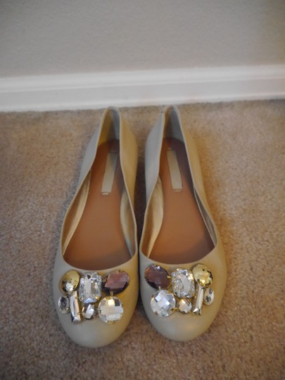 BCBGMAXAZRIA Ballet Jewels Holiday Parties Statement Piece Leather tan Flats