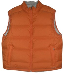 L.L.Bean New Without Tags Full Front Reversible Adjustable Drawcord Hem Side Has 2 Zippered Hand Pockets Side Has 2 Hand Logo Vest