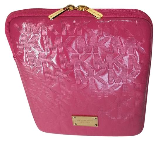 Preload https://img-static.tradesy.com/item/9034312/michael-kors-pink-zinnia-patent-leather-monogram-ipad-tablet-case-sleeve-tech-accessory-0-3-540-540.jpg