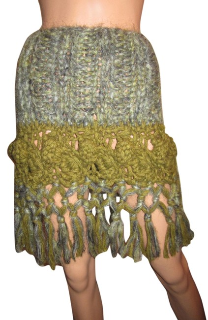 Preload https://img-static.tradesy.com/item/9035194/green-save-the-queen-soft-chunky-knit-with-fringe-sweater-skirt-size-8-m-29-30-0-1-650-650.jpg