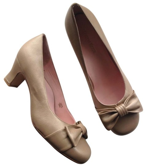 Preload https://img-static.tradesy.com/item/9036292/taryn-rose-gold-pumps-size-us-10-regular-m-b-0-1-540-540.jpg