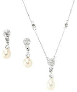 Bella Pearl Dangling Pearl Jewelry Set Bella Pearl Dangling Pearl Jewelry Set