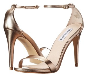 Steve Madden Stecy Size 7 Sexy gold Sandals