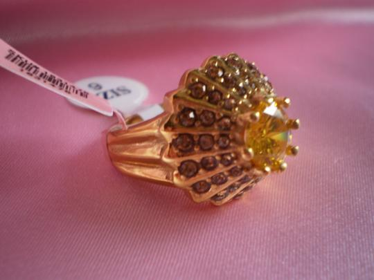 Other Simulated Yellow Sapphire on Stainless Steel (Size 6)