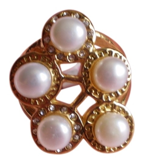Other White Shell Pearl, White Austrian Crystal Ring in ION Plated YG Stainless Steel (Size 8)