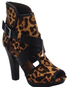 Kelsi Dagger Strappy Buckles Ankle Booties Leopard Sandals