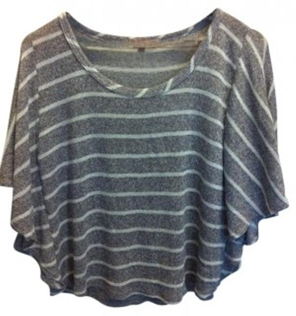 Preload https://item4.tradesy.com/images/grey-and-white-stripe-the-weekender-sweaterpullover-size-2-xs-9053-0-0.jpg?width=400&height=650