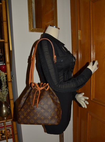 Louis Vuitton Monogram Canvas Petit Noe Hobo Noe Classic Cowhide Leather Designer Brand Shoulder Bag
