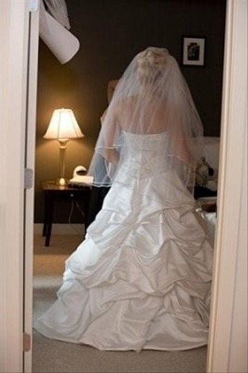 Demetrios White Silk Feminine Wedding Dress Size 6 (S)