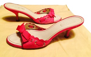 Coach Suede Kitten Heels Clogs Pink Bows Hot Pink Sandals