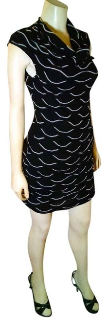 Preload https://item4.tradesy.com/images/max-studio-black-white-small-stretchy-sleeveless-p1854-knee-length-cocktail-dress-size-4-s-9057223-0-2.jpg?width=400&height=650