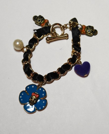 Betsey Johnson Betsey Johnson Skull Flower Charm Bracelet Black Blue J1514