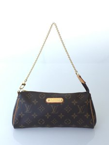 Louis Vuitton Eva Clutch Evening Wristlet in Monogram