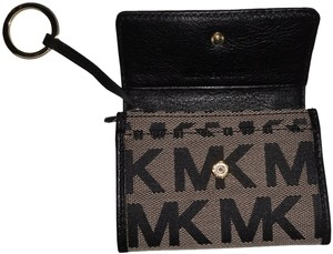 Michael Kors Purse Tote Beige Black Clutch