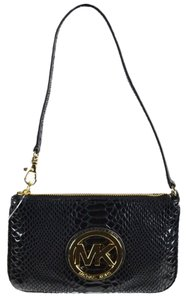Michael Kors Pouch Iphone Fulton Wristlet in Black and gold
