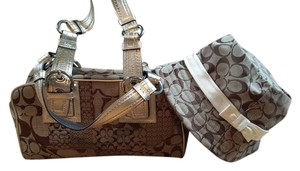 coach Satchel in brown/tan/gold