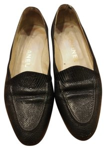 Chanel Vintage Retile Skin Loafers Black Pumps