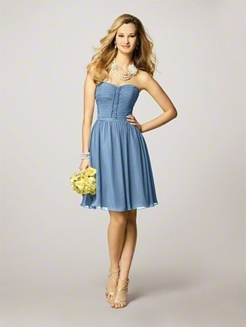 Item - Blue Chiffon Style 7143 Modern Bridesmaid/Mob Dress Size 6 (S)