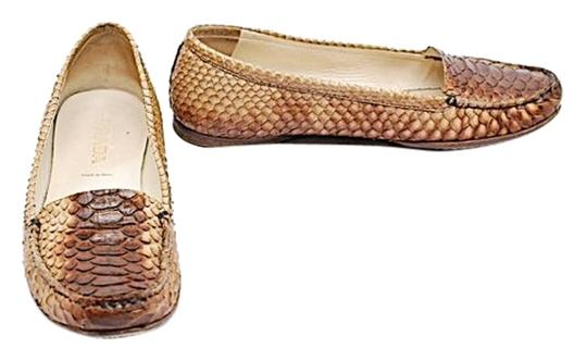 Preload https://img-static.tradesy.com/item/9066187/prada-brown-ombre-box-colored-snakeskin-loafers-very-good-condition-in-35us-flats-size-us-5-regular-0-2-540-540.jpg