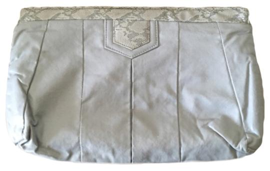 Preload https://item3.tradesy.com/images/vintage-large-gray-leather-clutch-9066427-0-2.jpg?width=440&height=440