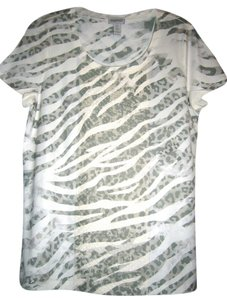 Chico's T Shirt GREEN LEOPARD PRINT