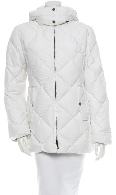 Preload https://item2.tradesy.com/images/burberry-white-hooded-puffer-down-size-4-s-9068011-0-2.jpg?width=400&height=650
