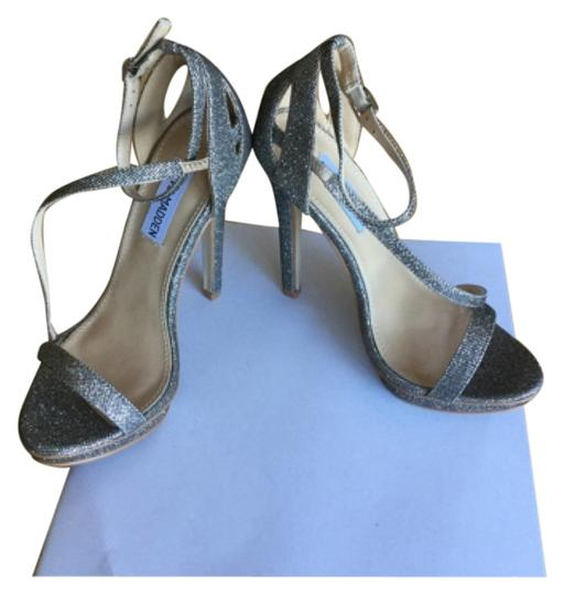 Preload https://img-static.tradesy.com/item/9068722/steve-madden-silver-metallic-special-occasion-formal-shoes-size-us-6-regular-m-b-0-2-540-540.jpg