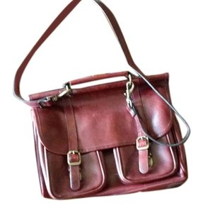 Wilsons Leather Perfect Lining Not One Tear All Closures Work Interesting Shape Burgundy Messenger Bag