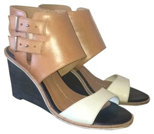 DV by Dolce Vita Black wedge with brown and white leather Wedges