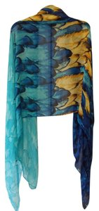 Other feathered scarf