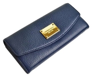 Michael Kors Michael Kors Jet Set Item Slim Flap Clutch Wallet - Navy
