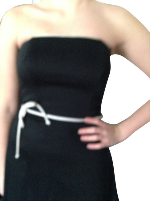 Preload https://img-static.tradesy.com/item/907256/white-house-black-market-final-sale-new-years-party-knee-length-cocktail-dress-size-6-s-0-2-650-650.jpg