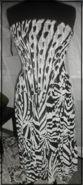 White House | Black Market Perfect And Print Strapless Elegant Lined Size 4 Dress
